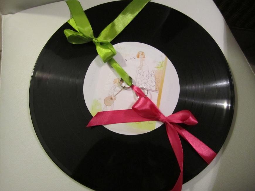 Créer un porte-alliance avec un disque vinyle